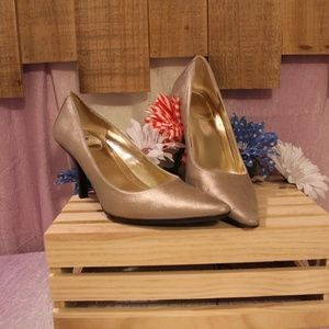 Calvin Klein Gold Metallic Point Toe Pumps